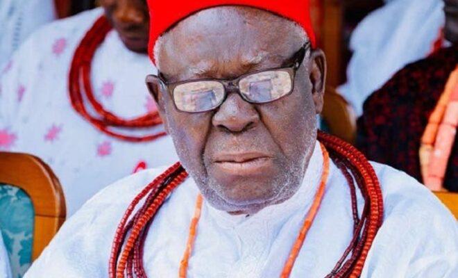 Okowa to bury father privately