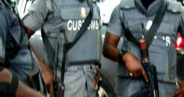 Nigeria Customs operatives